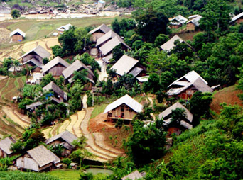 Sapa Intermediate Trek 3days/4nights- 1 night hotel 1 night homestay